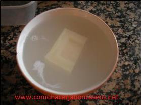 jabón casero con pastillas largarto 2