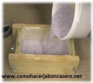jabón casero de semilla de amapola 2